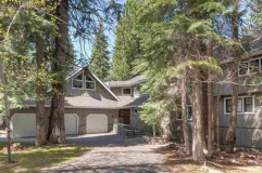 Lakefront at its Finest…..207 Lake Almanor West