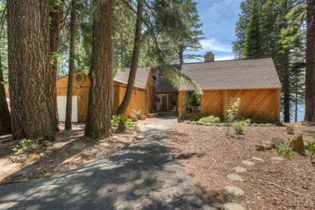 Spacious and Airy Lakefront….1301 Lassen View Drive