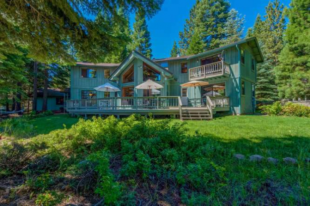 Lakefront Wonder…132 Kokanee Trail, Lake Almanor West