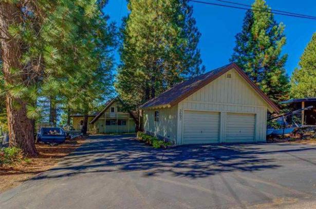 Lake Frontage….3692 Lake Almanor Drive, Hamilton Branch