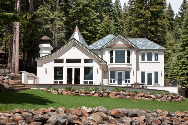 Lakefront Masterpiece…808 Peninsula Drive