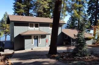Dock Holiday – 1212 Peninsula Drive, Lake Almanor Country Club