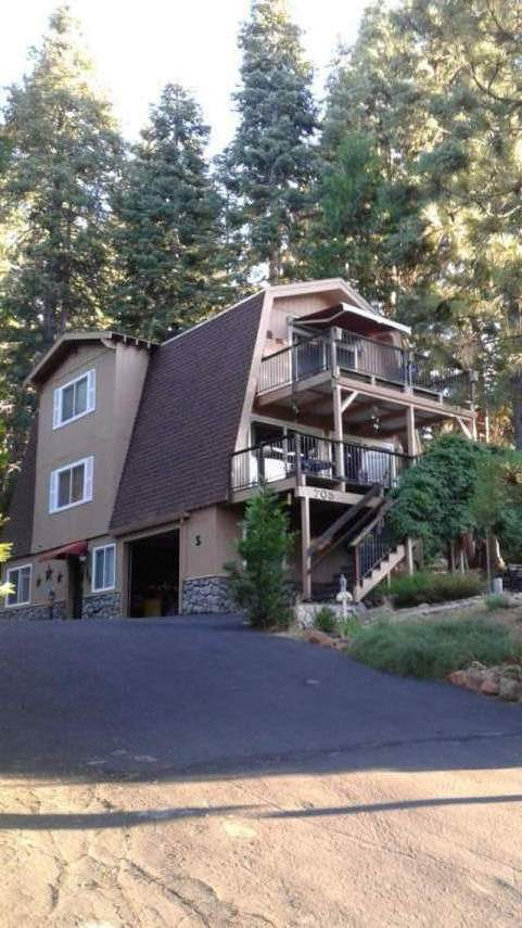 Charming Home with Cabin Feel….705 Timber Ridge Rd